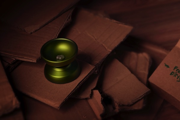 freshly dirty cardboard steamboat yoyo